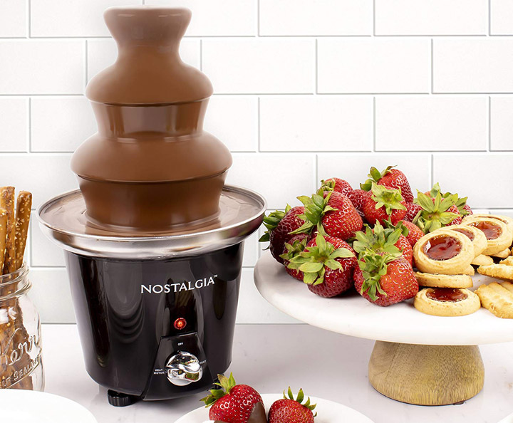 Nostalgia CFF965 3-Tier 1.5-Pound Chocolate Fondue Fountain