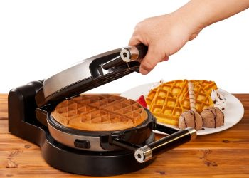 Six Amazing Waffle Makers with Removable Plates for Easy Cleaning